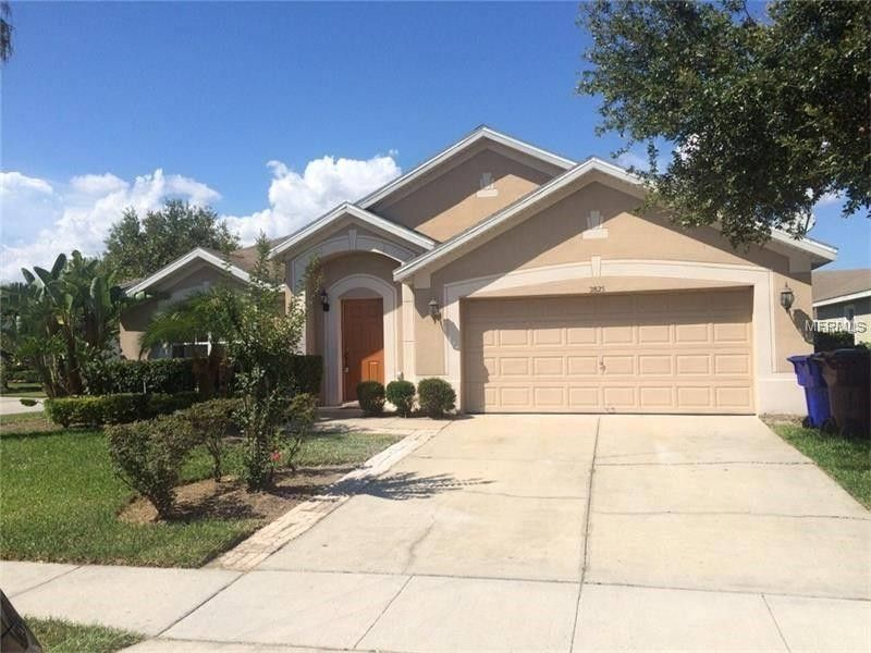 2825 Maguire Dr, Kissimmee, FL 34741