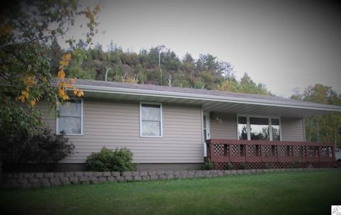 45 Marks Dr, Silver Bay, MN 55614