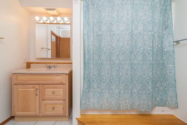 1670 Goldbearing Ct Fairbanks Ak 99712 Bathroom