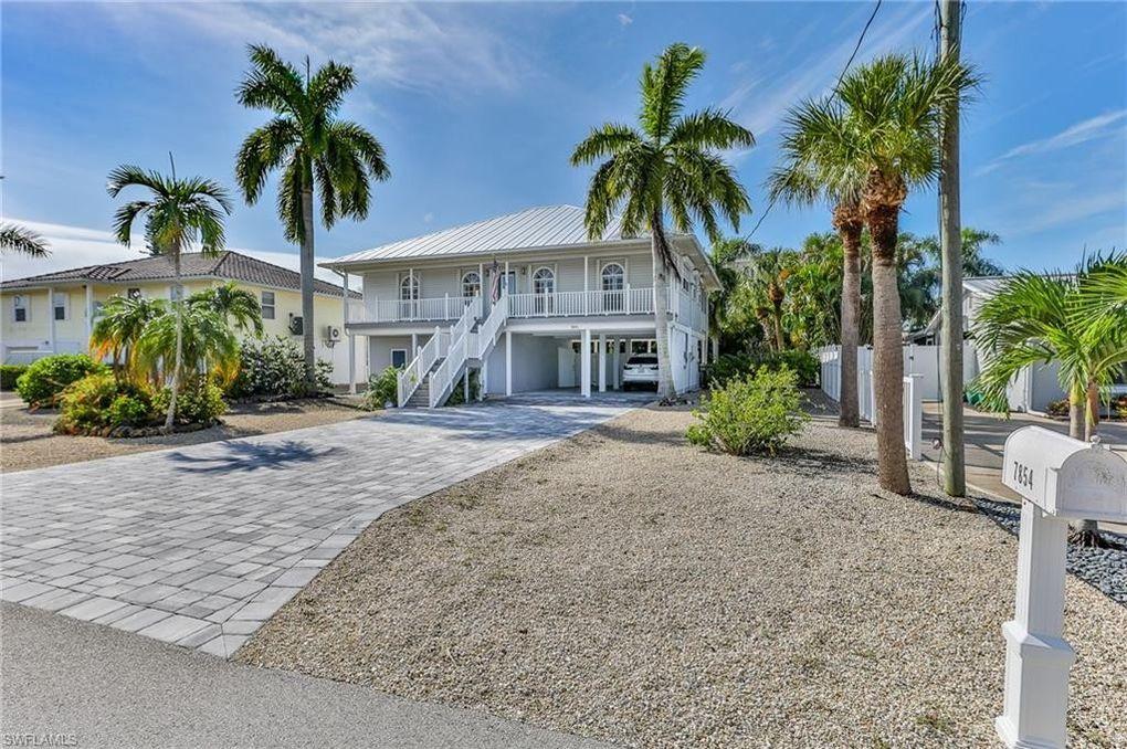 7854 Buccaneer Dr Fort Myers Beach, FL 33931