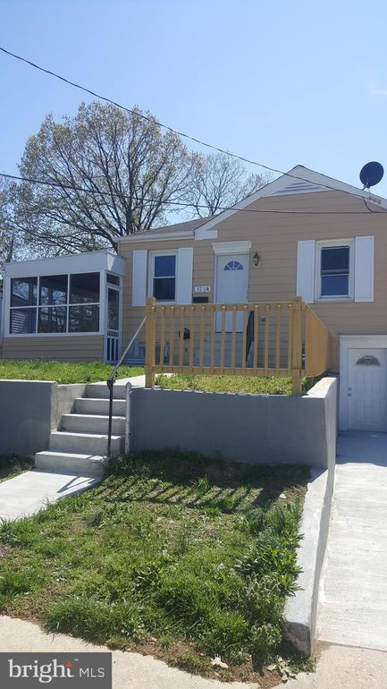 1204 Chapel Oaks Dr, Capitol Heights, MD 20743