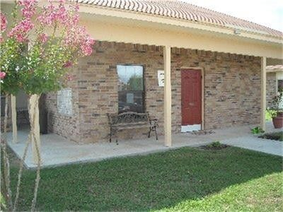 Photo of 555 S Burke St, Goliad, TX 77963