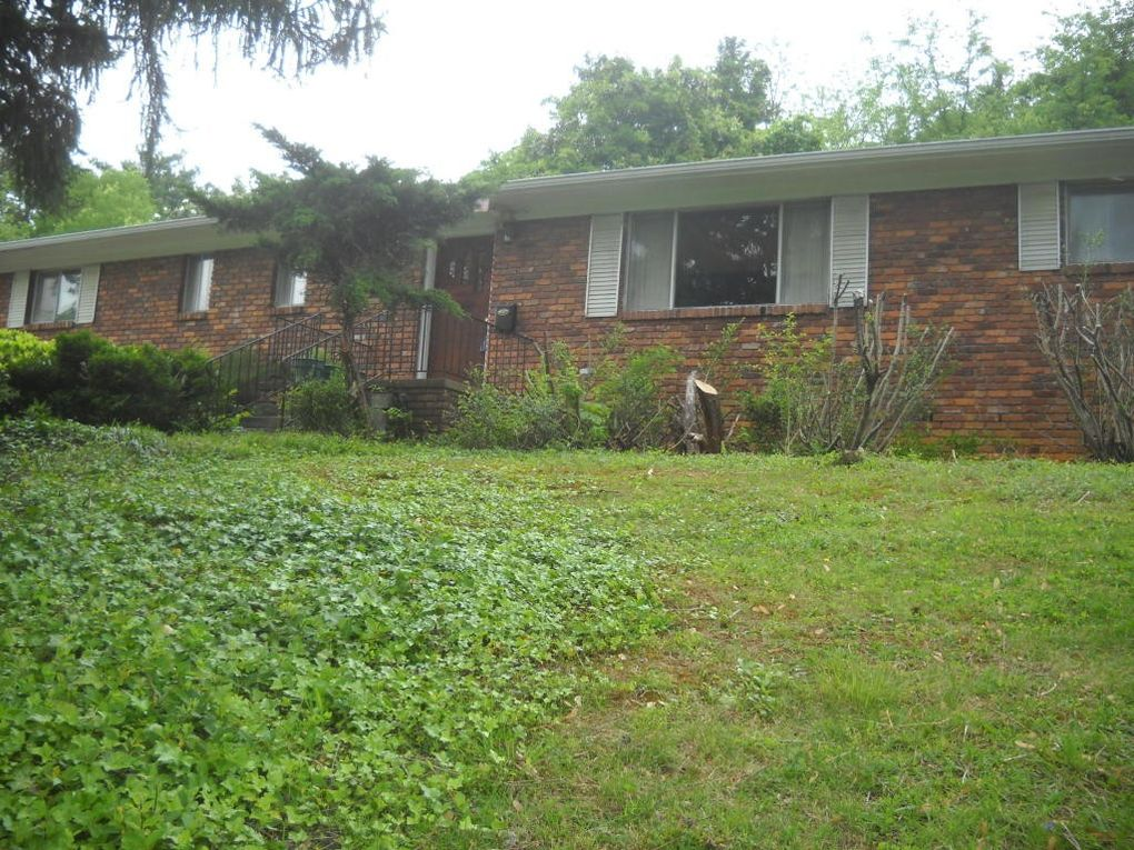 8005 Bennington Dr, Knoxville, TN 37909