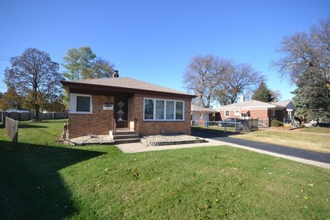 11059 Shelley Ct, Westchester, IL 60154