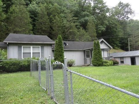 Photo of 198 Daniels Creek Rd, Banner, KY 41642