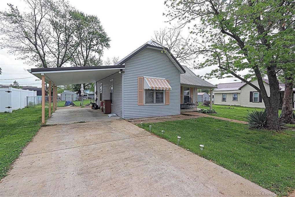 108 S Country Lane Dr Desloge, MO 63601