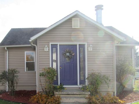 Photo of 480 W Center St, Sheldon, IL 60966