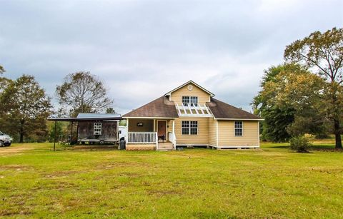 Photo of 195 Pinegrove Church Rd, Corrigan, TX 75939