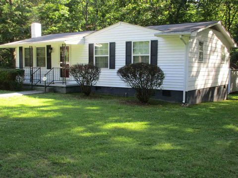 Photo of 1722 Lindsay Dr, Gordonsville, VA 22942