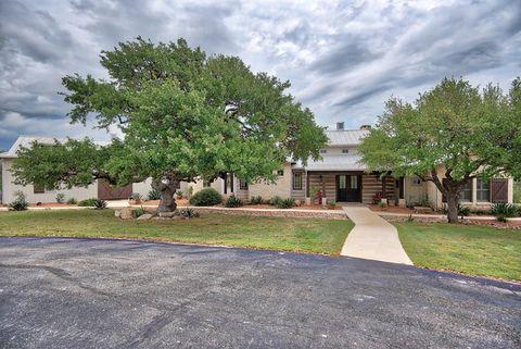 550 Hidden Hills Ranch Rd, Camp Verde, TX 78010