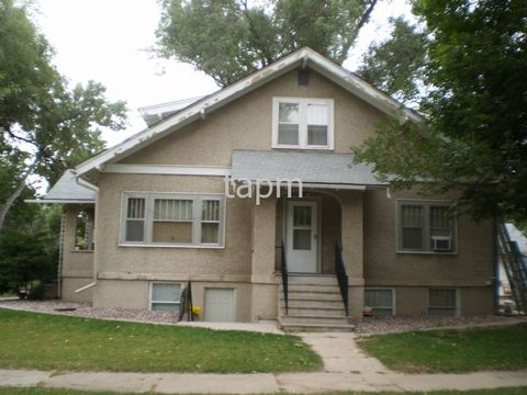 Photo of 1805 12th Ave Apt 3, Greeley, CO 80631