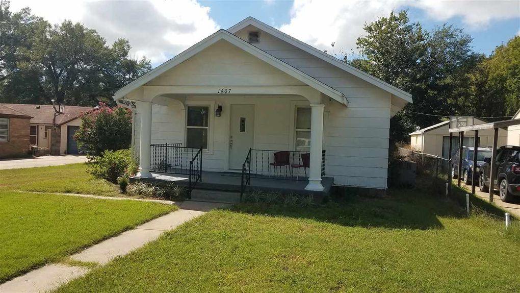 1407 N 3rd St, Arkansas City, KS 67005