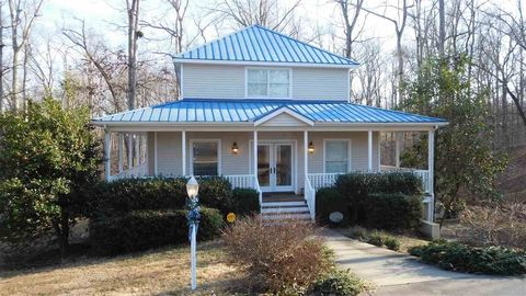 Photo of 705 Bay View Dr W, Grand Rivers, KY 42045
