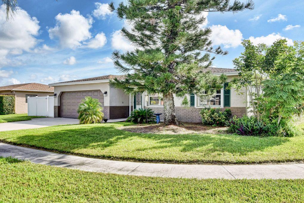 22334 Doran Ave, Boca Raton, FL 33428