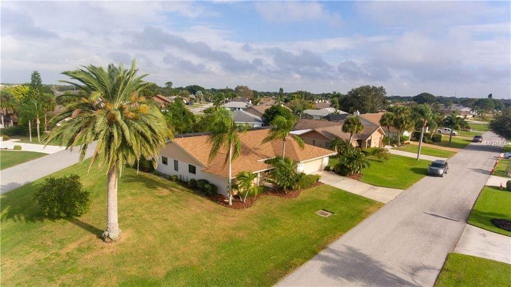 1320 Washington Dr, Venice, FL 34293