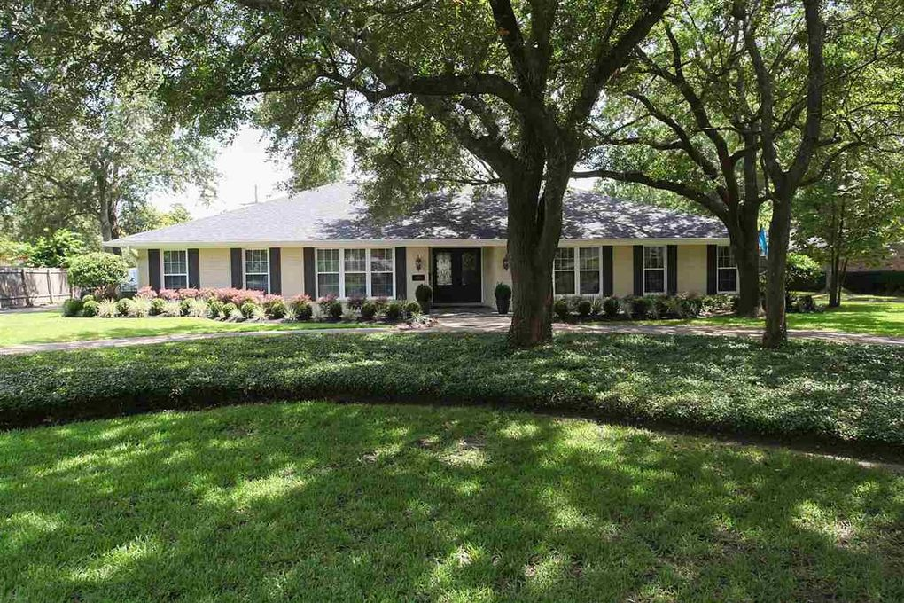 5835 Gladys Ave, Beaumont, TX 77706