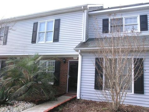 840 Crystal Oaks Ln, Morehead City, NC 28557