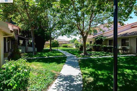 32824 Arbor Vine Dr Unit 22, Union City, CA 94587