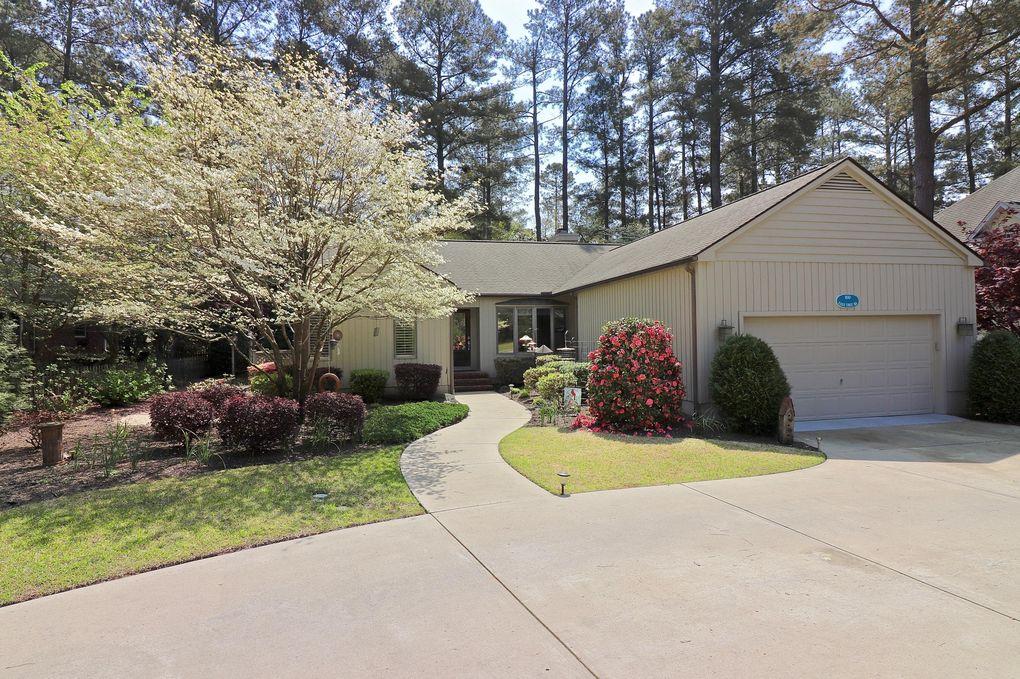 160 Lost Tree Rd, Pinehurst, NC 28374