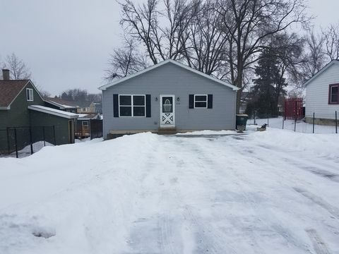 Photo of 7104 Delaware Rd, Wonder Lake, IL 60097