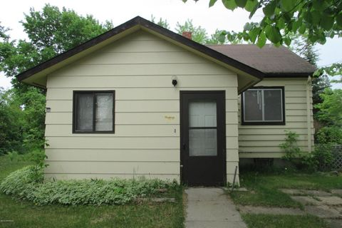 105 3rd Ave Sw, Clearbrook, MN 56634