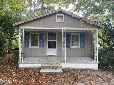 1719 S Asbury Church Rd, Washington, NC 27889
