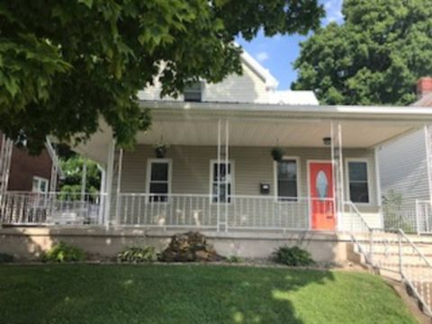 Photo of 1038 9th St, Tell City, IN 47586