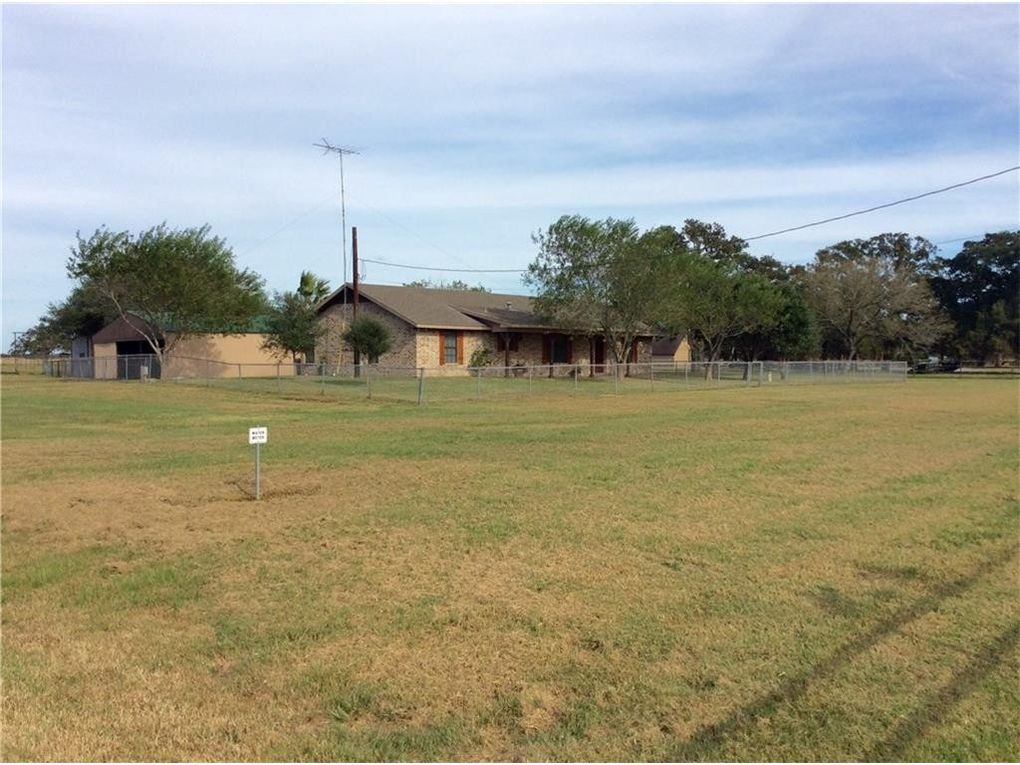 1083 county road 223 giddings tx 78942 for 1083 3