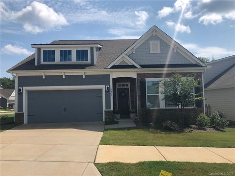 Photo of 3673 Summer Haven Dr Unit 91, Sherrills Ford, NC 28673