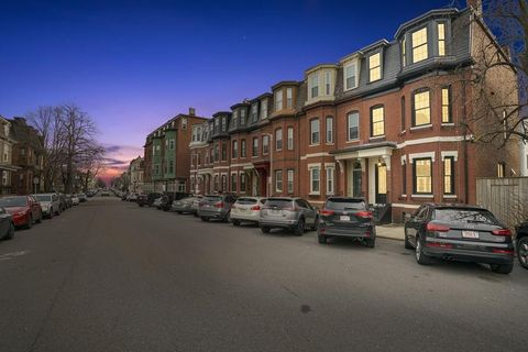 Photo of 789 E Fourth St, Boston, MA 02127