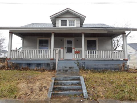 Photo of 209 W Center St, Blanchester, OH 45107