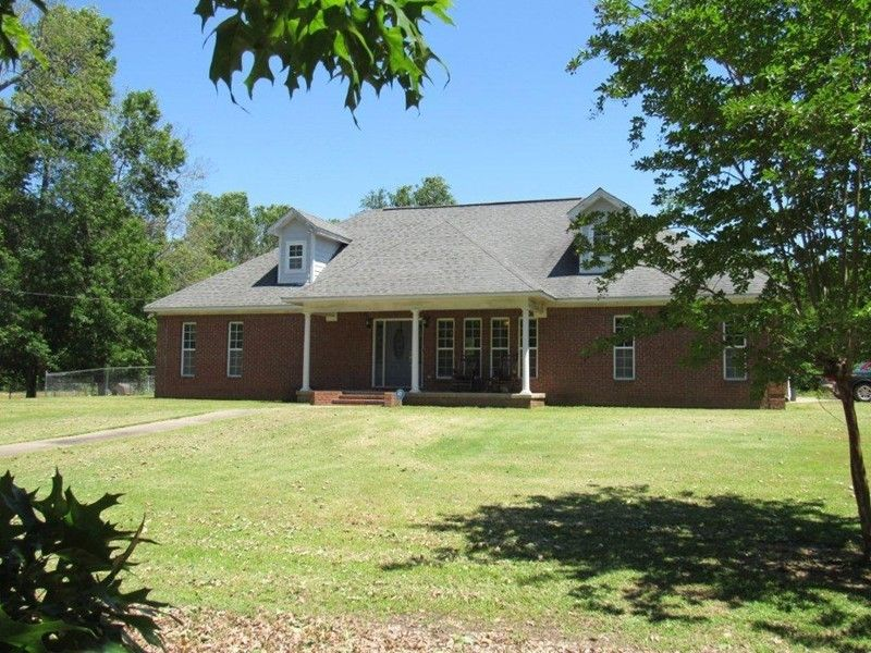 8799 County Road 89, Greenwood, MS 38930