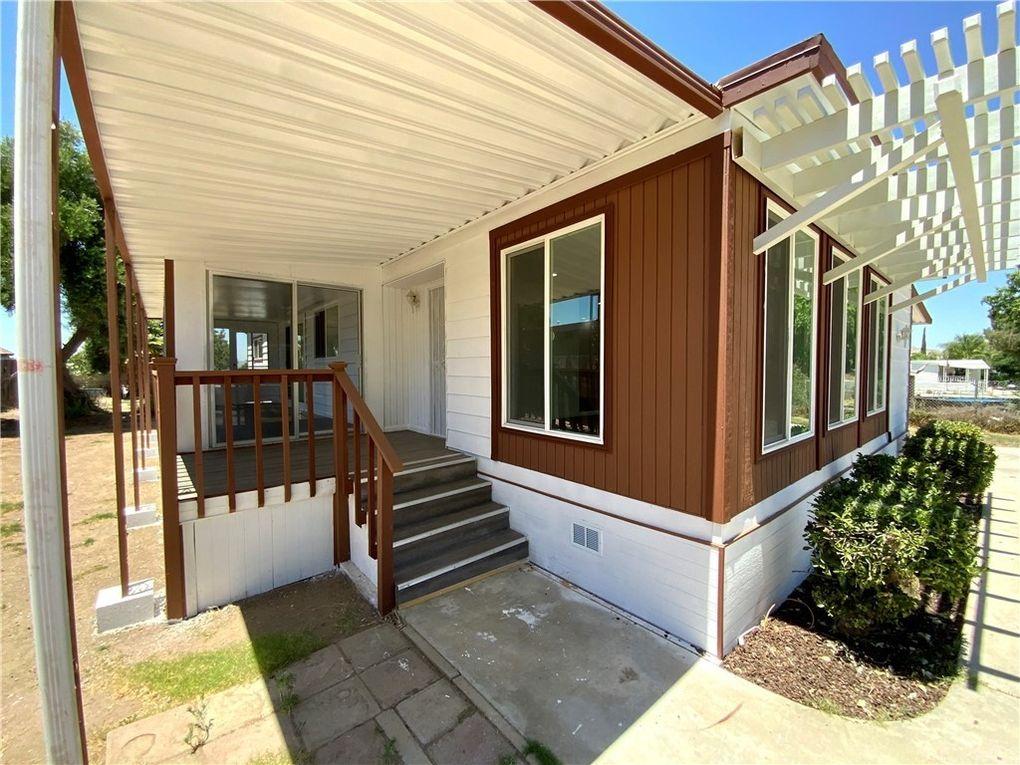 22685 Via Santana Nuevo Lakeview, CA 92567