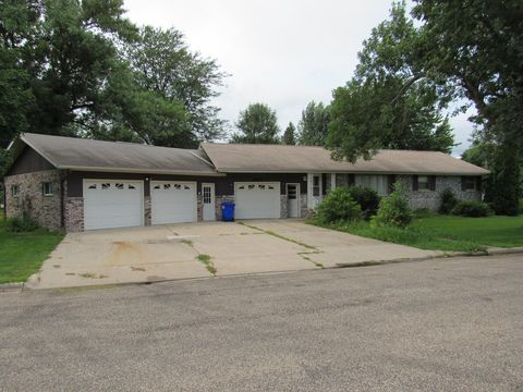 Photo of 502 Nw 3rd St, Fulda, MN 56131