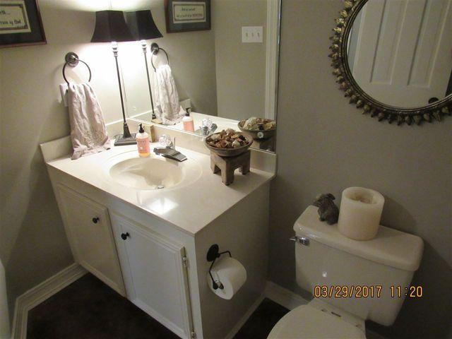 Bathroom Sinks Jackson Ms 81 n crownpointe dr, jackson, ms 39211 - realtor®