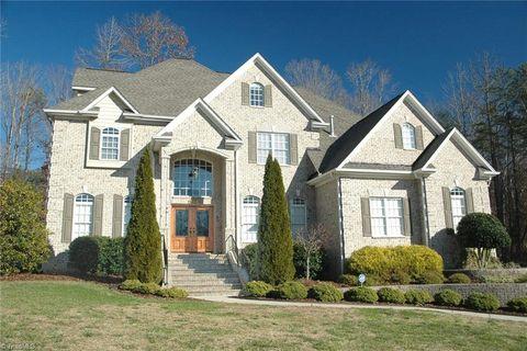 405 Pebble Ridge Ct, Greensboro, NC 27455