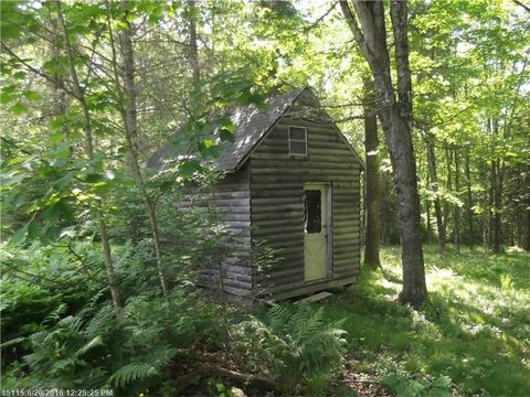 198 Scammon Rd, Greenville, ME 04441