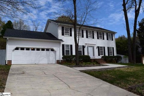 Photo of 107 Cliffwood Ln, Greer, SC 29650