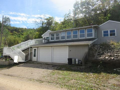 70561 207th Ave, Reads Landing, MN 55968