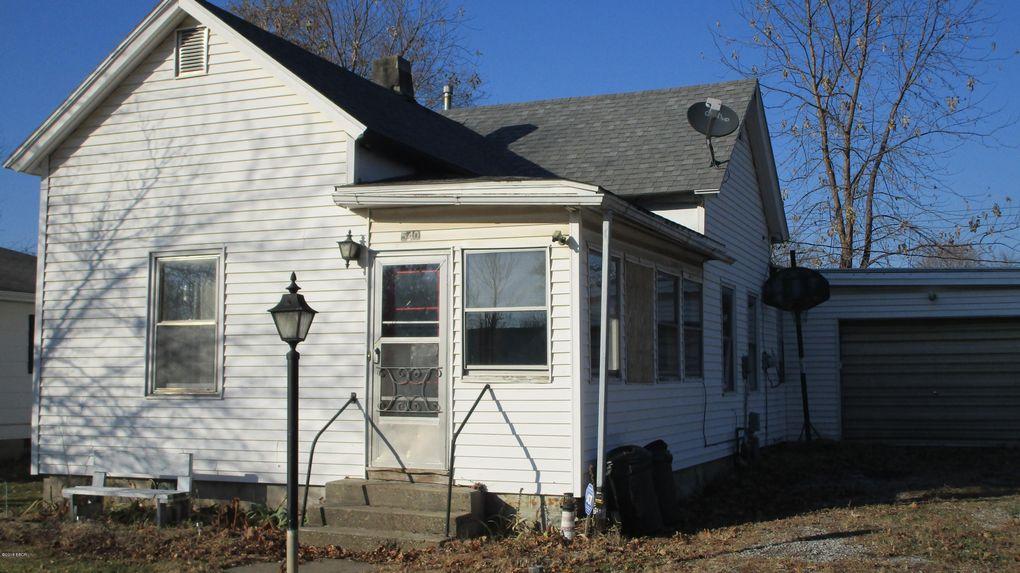 540 Madison St, Louisville, IL 62858