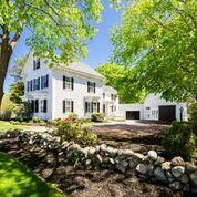 358 Sea St, Hyannis, MA 02601
