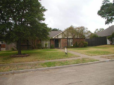Photo of 2329 Woodglen Dr, Richardson, TX 75082