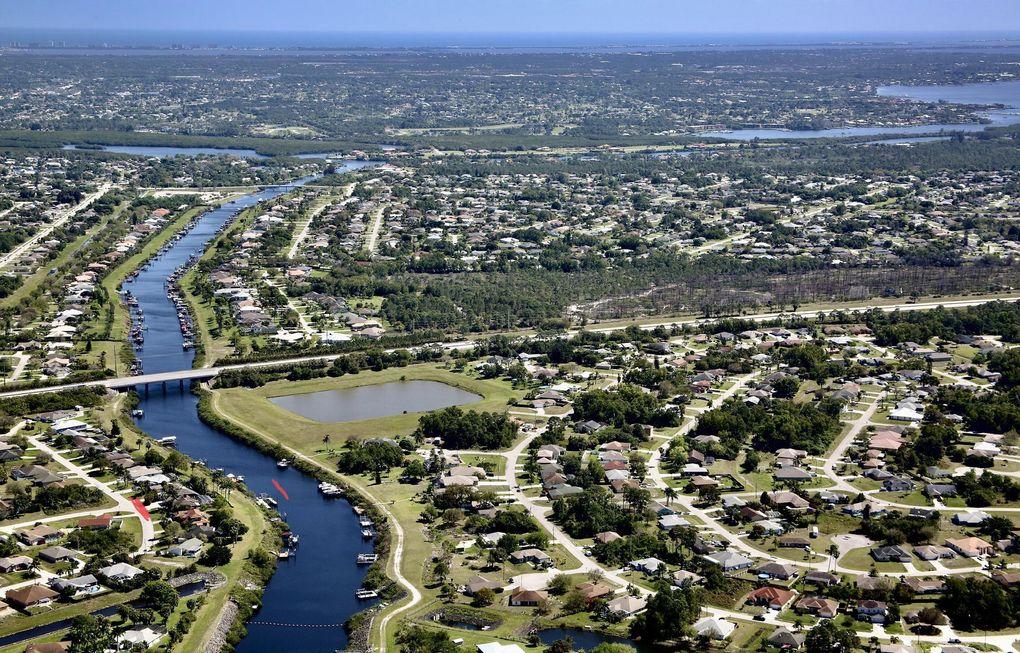 2690 SW Monterrey Ln Port Saint Lucie, FL 34953