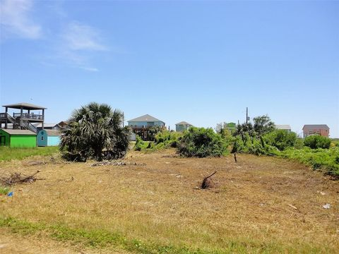 Photo of Lots 3 Lots 3 & 11 And 11 Croaker Ln, Crystal Beach, TX 77650