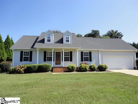 Photo of 128 Orchard Spring Dr, Inman, SC 29349