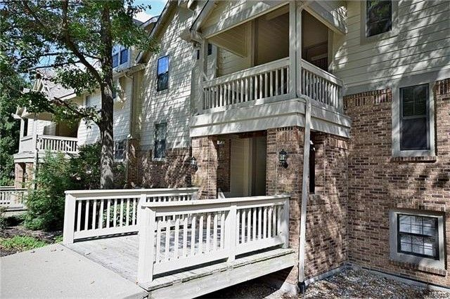 12956 Bryce Canyon Dr Apt F Maryland Heights, MO 63043