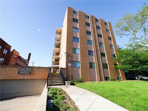 Photo of 12029 Clifton Blvd Apt 506, Lakewood, OH 44107
