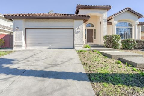 Photo of 1918 Orchard View Dr, Fairfield, CA 94534