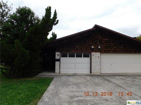 Photo of 818 Lois St Apt B, Kerrville, TX 78028