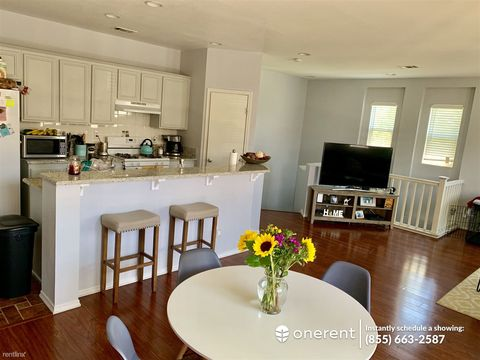 Photo of 425 S Meadowbrook Dr Unit 137, San Diego, CA 92114